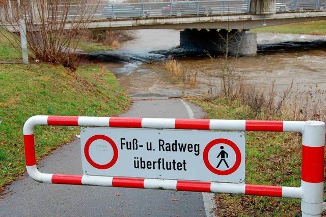 Schutz bei überfluteten Radwegen: Wie sieht es im Umland aus?