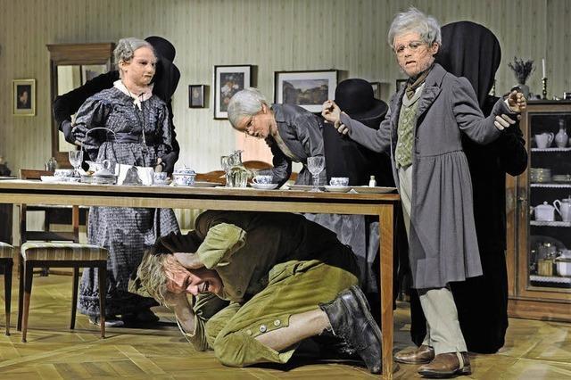 Gulliver in der Biedermeierpuppenstube