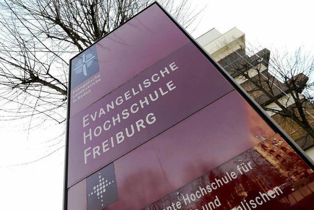 Kirchliche Hochschulen erheben weiter Studiengebühren