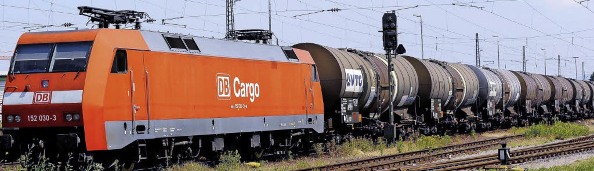 Ist die Hochrheinstrecke erst elektrif...11; Güterverkehr, so die Befürchtung.   | Foto: Ingo Schneider