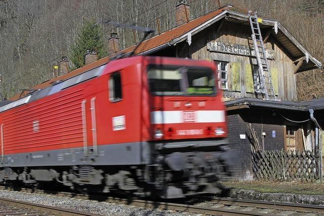 Der Hirschsprung-Bahnhof im Höllental steht zum Verkauf