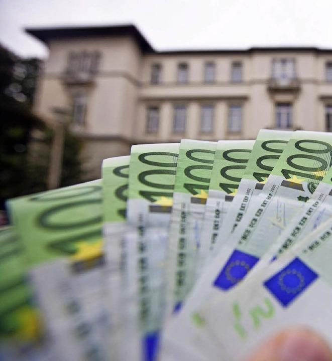 Die Grundsteuer ist eine wichtige Einnahmequelle der Kommunen.   | Foto: dpa