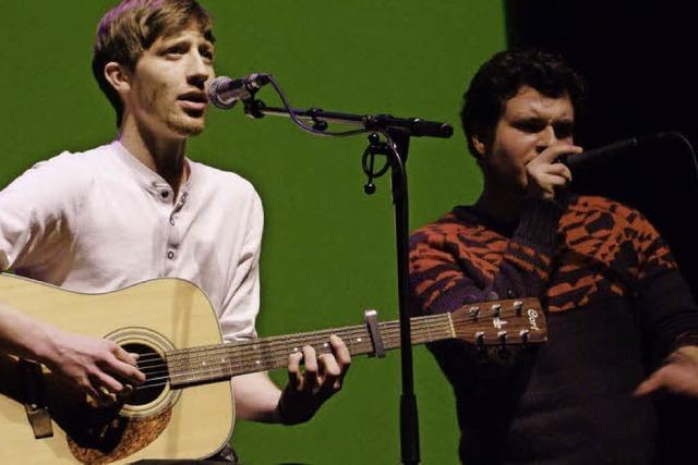 Und sie singen zur Gitarre