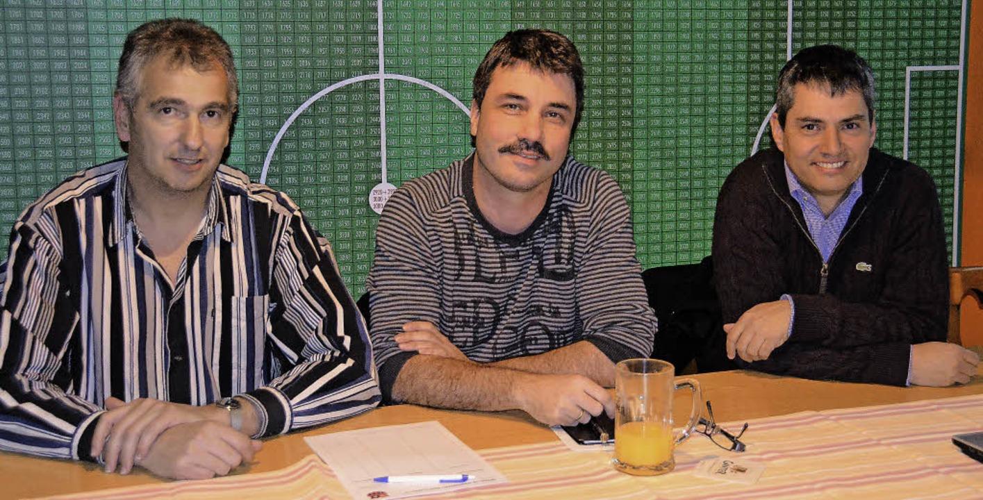 Das Vorstandstrio der Spielvereinigung...ssert, Frank Wanning und  Michael Lutz    Foto: sigrid umiger