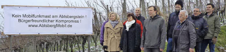 MdL Thoms Marwein (Mitte) hörte sich die Sorgen der Bürger an.   | Foto: cornelia weizenecker