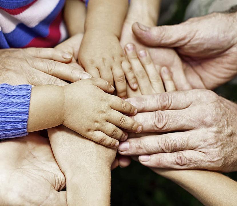 Nur gemeinsam können die Generationen ...des demografischen Wandels bewältigen.  | Foto: Dmitry Naumov/Fotolia