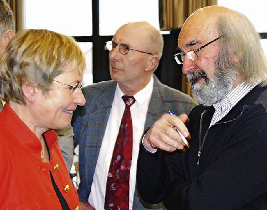 Im Gespräch: Birgit Bloß, Leiterin des... und Manfred Mutter vom Zukunftsforum   | Foto: Ralf Staub