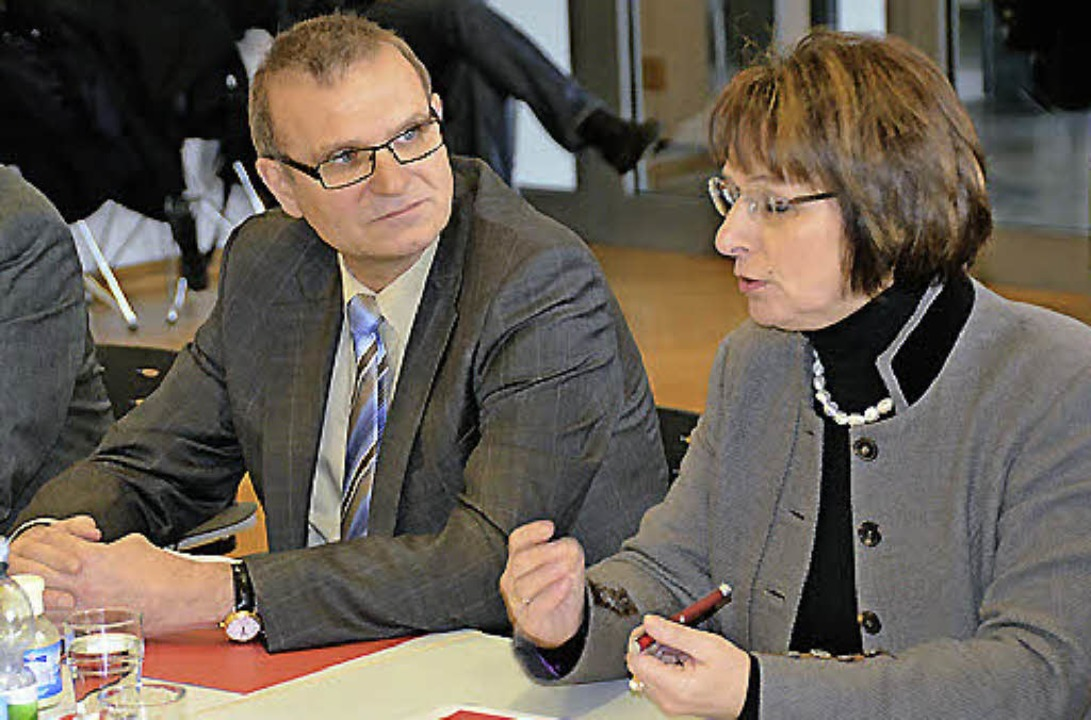 Die Argumente sind ausgetauscht: OB Sc...denwald vom Bundesverkehrsministerium.  | Foto: Helmut Seller