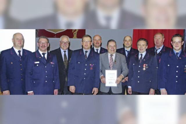 Ein Ehrenkreuz für den Kommandanten