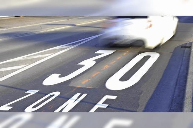 Tempolimit und Lkw-Fahrverbot?