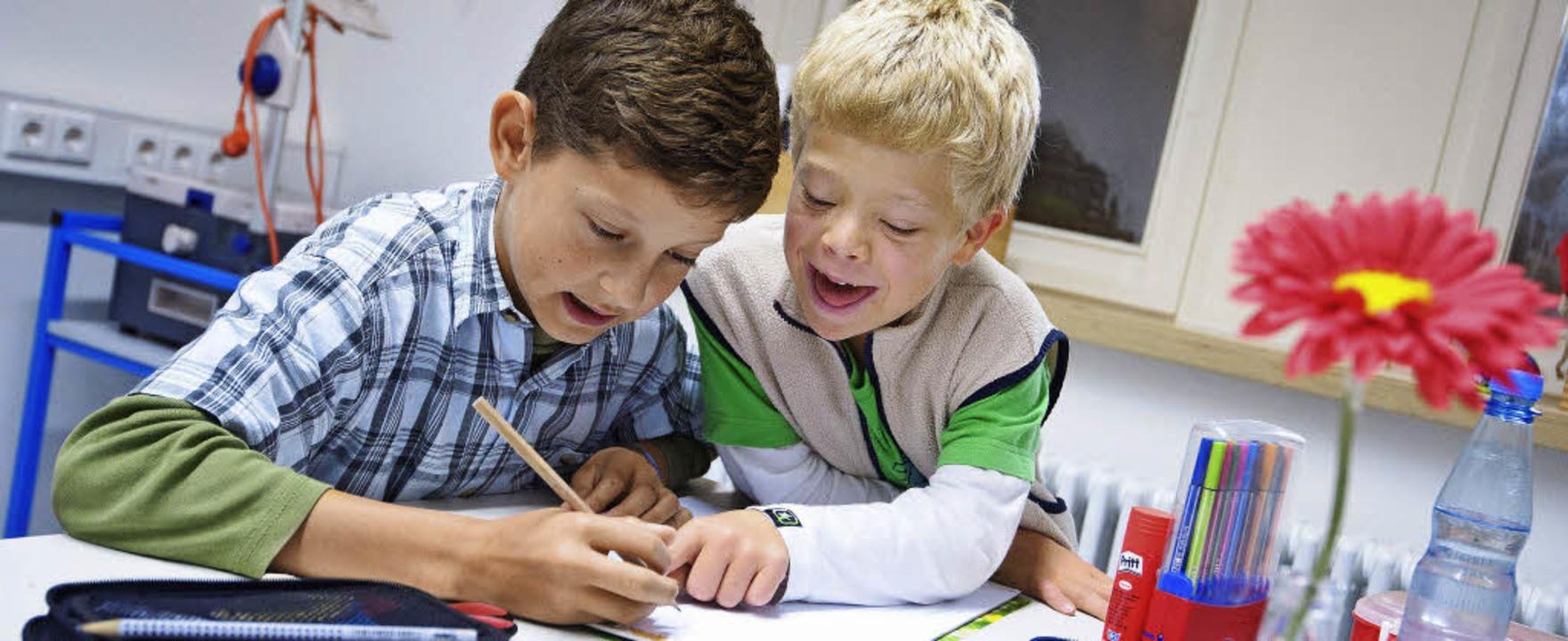Das selbstverständliche Miteinander vo...rweise in Kindergarten und Schule an.   | Foto: dpa