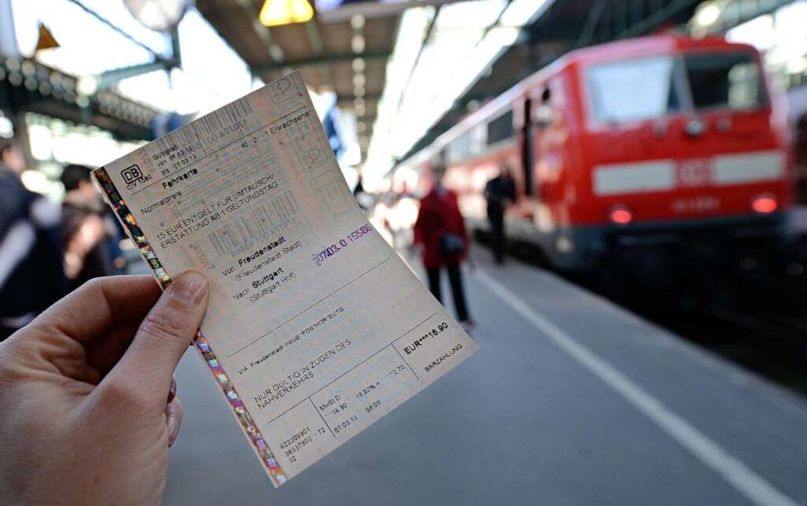 Ramsauer warnt vor steigenden Ticketpreisen.  | Foto: dpa