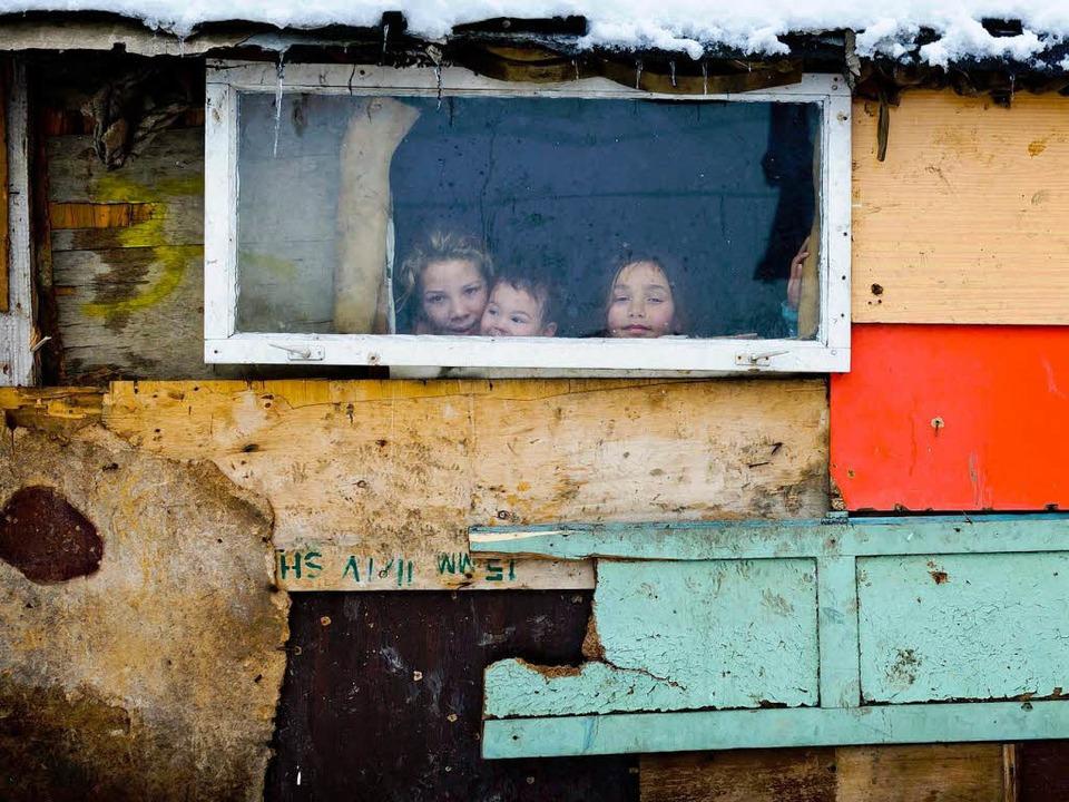 Vor ähnlichen  Verhältnissen  wie hier...mänen und Bulgaren nach Deutschland.      Foto: DPA