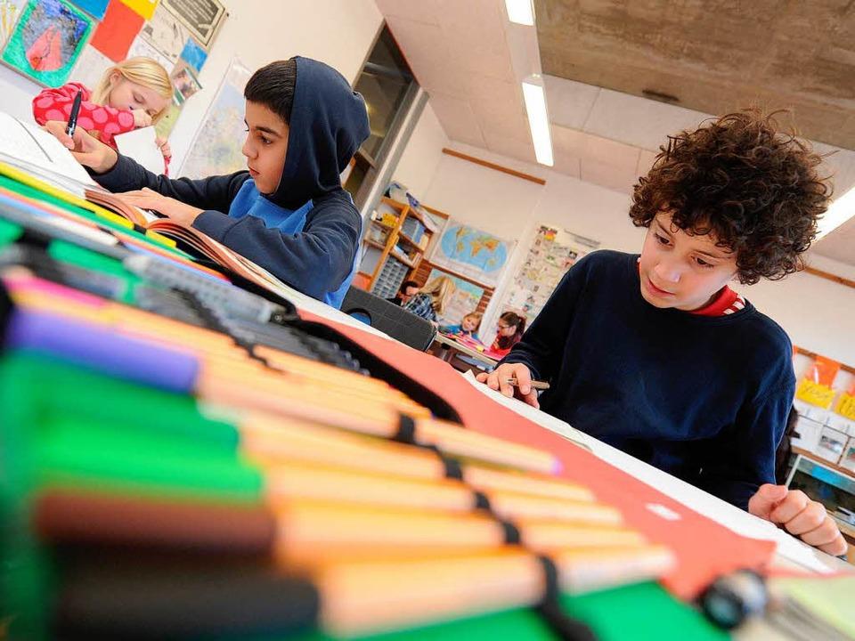 Hauptschüler und Gymnasiasten in einer Klasse: Alltag an einer Tübinger Schul    Foto: dpa