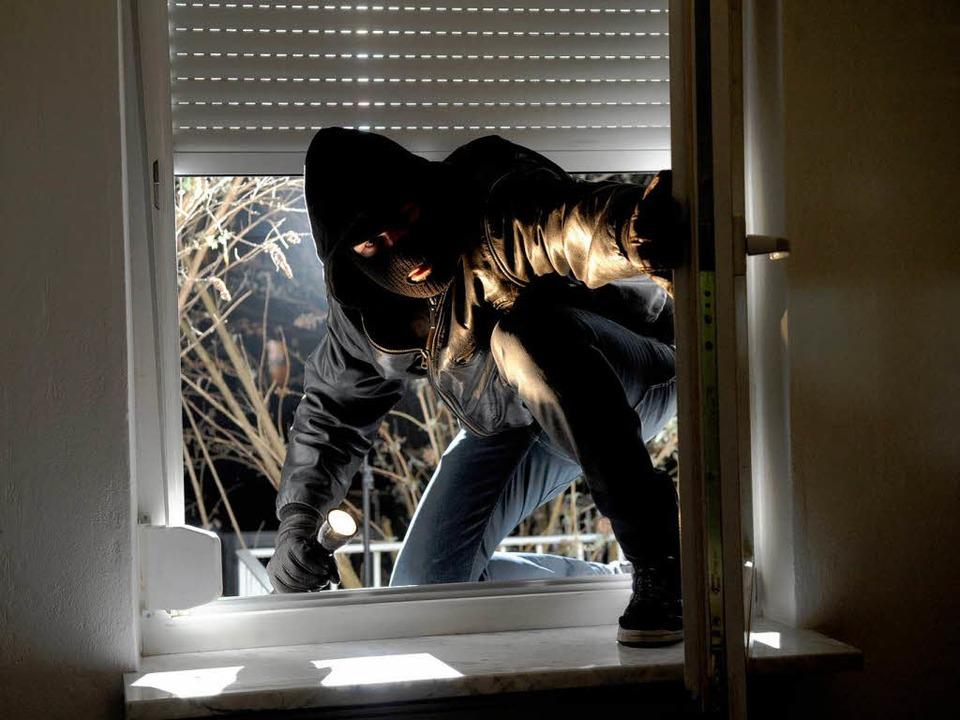 Die Zahl der Wohnungseinbrüche ist gestiegen.  | Foto: dapd