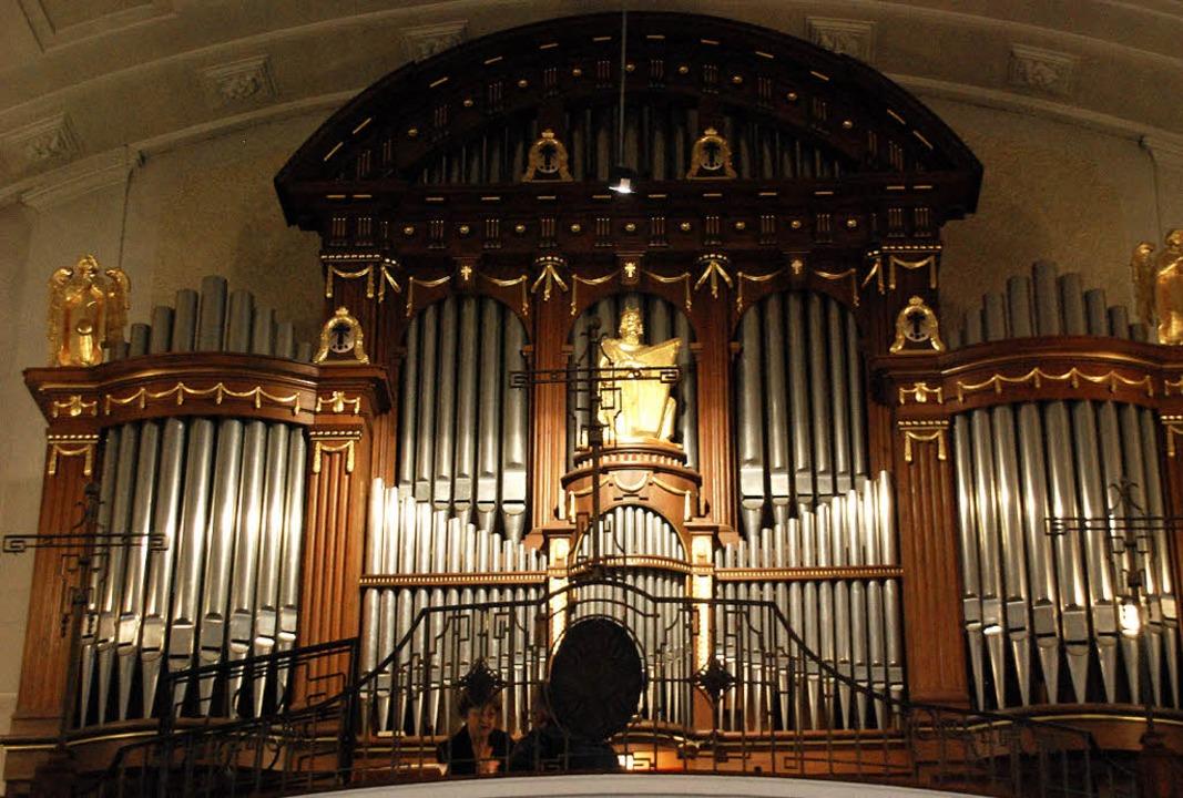 Die große Orgel klingt nicht mehr gut....e sammelt Spenden für die Renovierung.  | Foto: Danielle Hirschberger