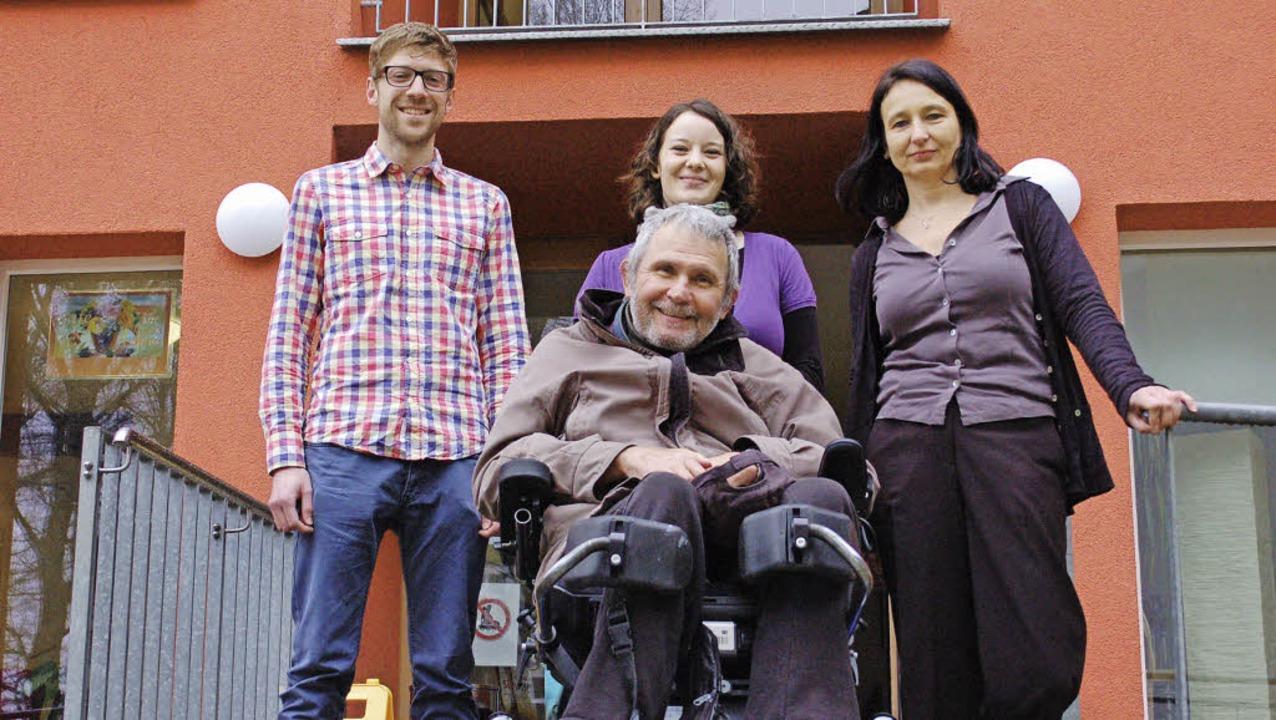 Warten auf Reaktionen zum Projekt  &#8...er Witz vom Behindertenbeirat (vorn).   | Foto: Sommer