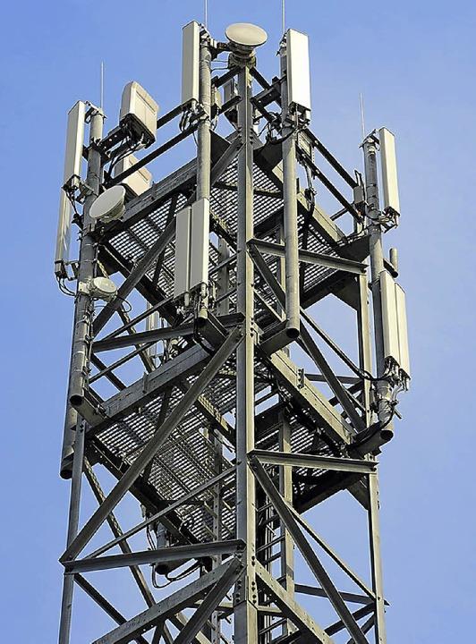 Mobilfunkmasten sind  immer wieder heftig umstritten.     Foto: Kunz