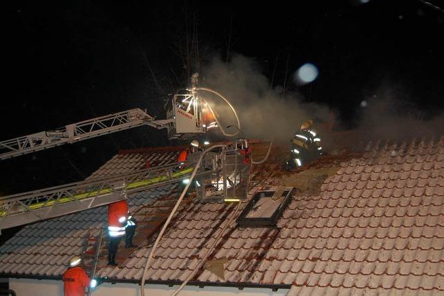 Hoher Schaden bei Gebäudebrand