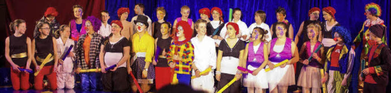 Die Klassenstufe sechs  der Werkrealsc... in eine hervorragende  Zirkusfamilie.  | Foto: Friederike Tröndle