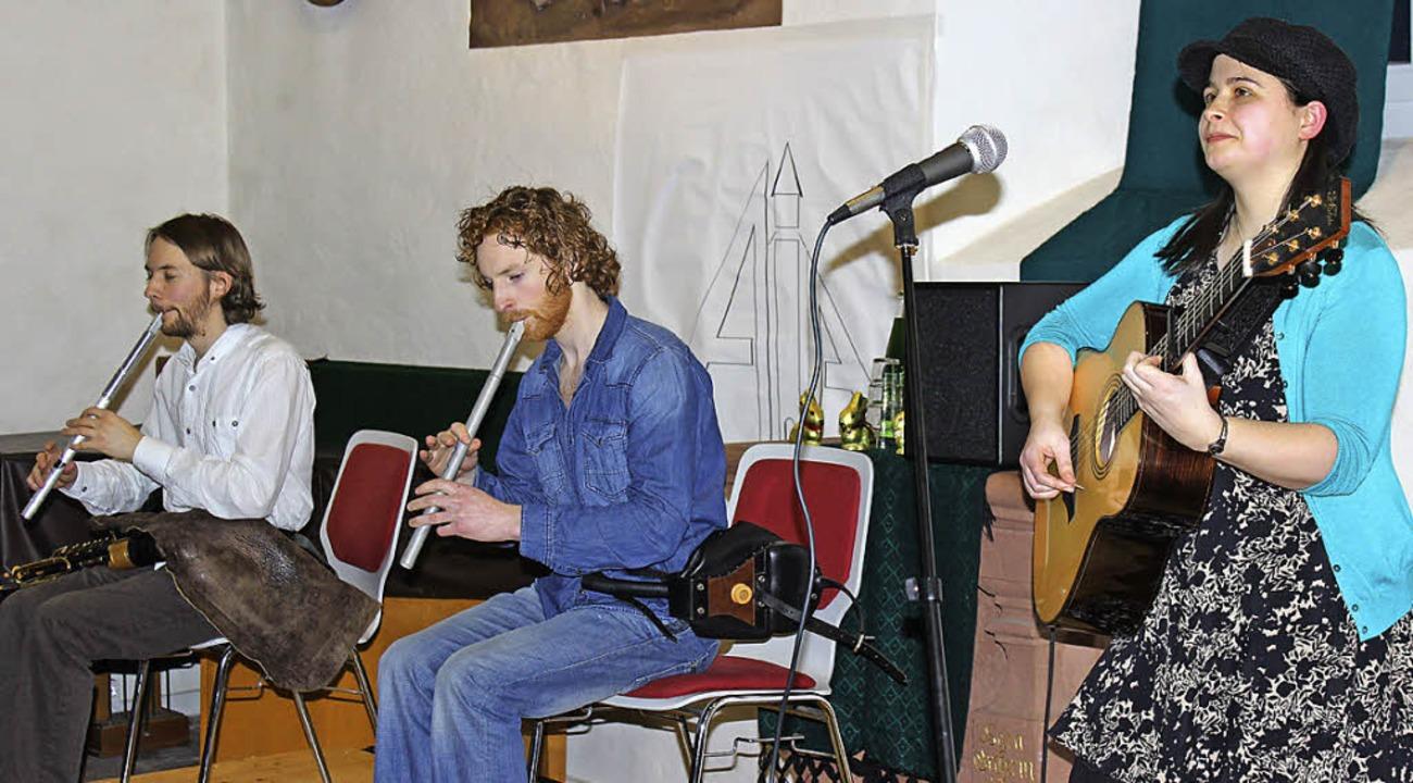 Die Irish-Folk-Band Realta bei ihrem K...che St. Agathe in Schopfheim Fahrnau.   | Foto: Anje Gessner