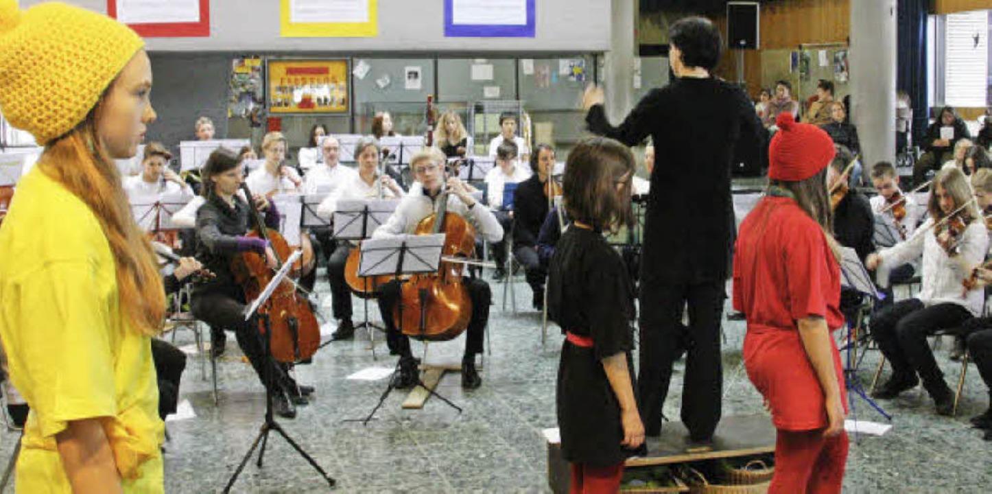 Unter der Leitung von Kerstin Bögner p...n Schülerinnen augenfällig verkörpert.  | Foto: Hans Jürgen Kugler