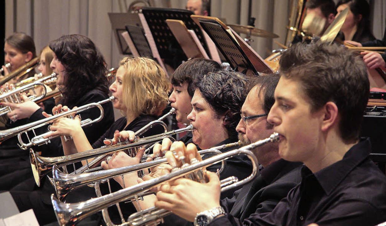 Mit einer mächtigen Klangfülle imponie...e Mahlberger Musikerinnen und Musiker.  | Foto: SAndra Decoux-Kone