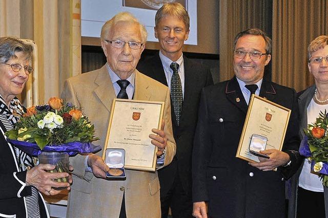Oskar Mangold und Roland Eckinger für herausragendes ehrenamtliches Engagement ausgezeichnet