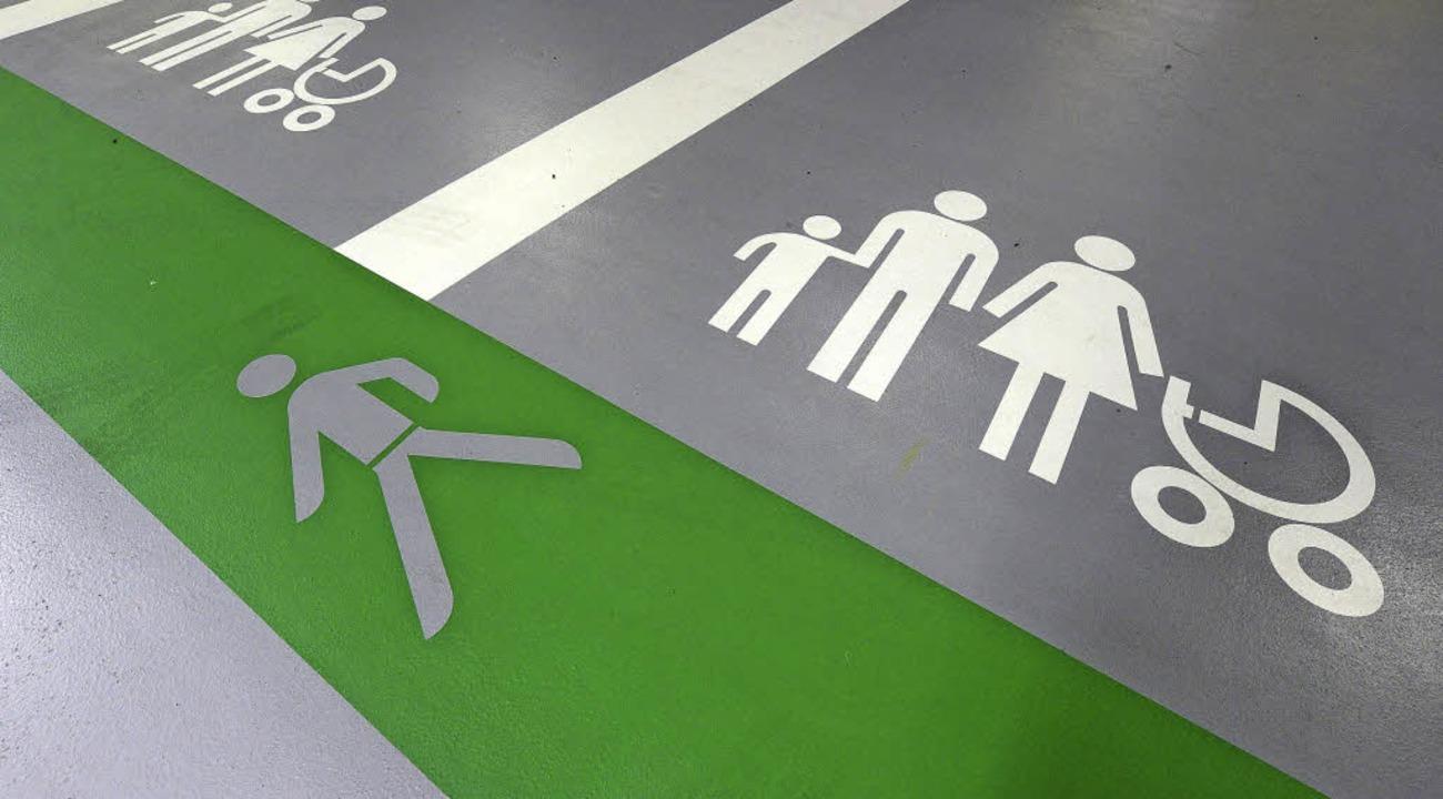 Spezielle Familienparkplätze sollen da...n Parkhausnutzern mehr Komfort bieten.  | Foto: Ingo Schneider