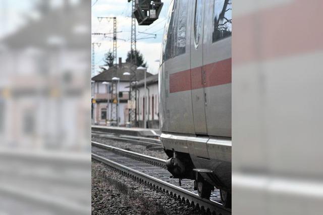 Bahn tauscht bei Herbolzheim 930 Meter Gleis aus