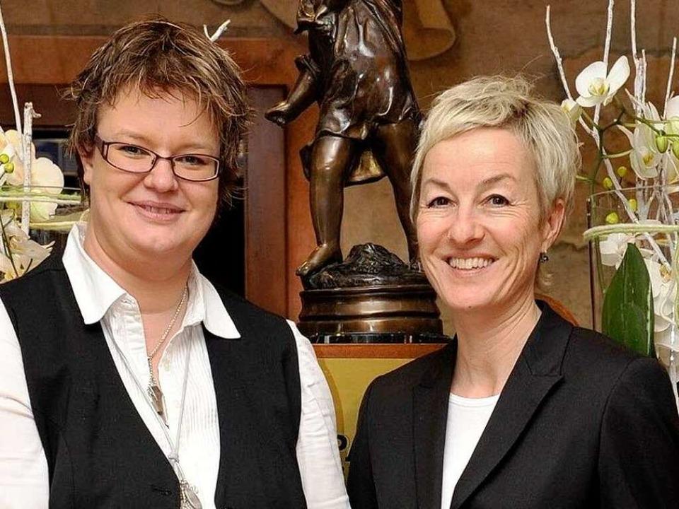 Sie mögen ihren Job im Hotel: Andrea Heiermann (links) und Petra Wäldin     Foto: EUrOPA-Park