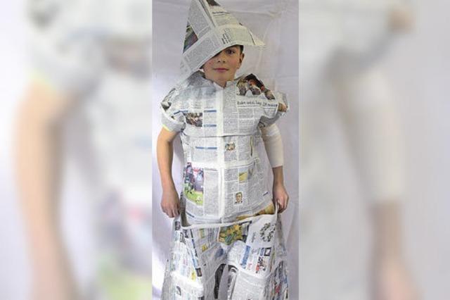 Das Zeitungsoutfit