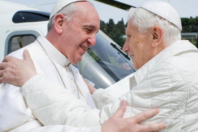 Papst Franziskus zu Besuch bei seinem Vorgänger Benedikt XVI.