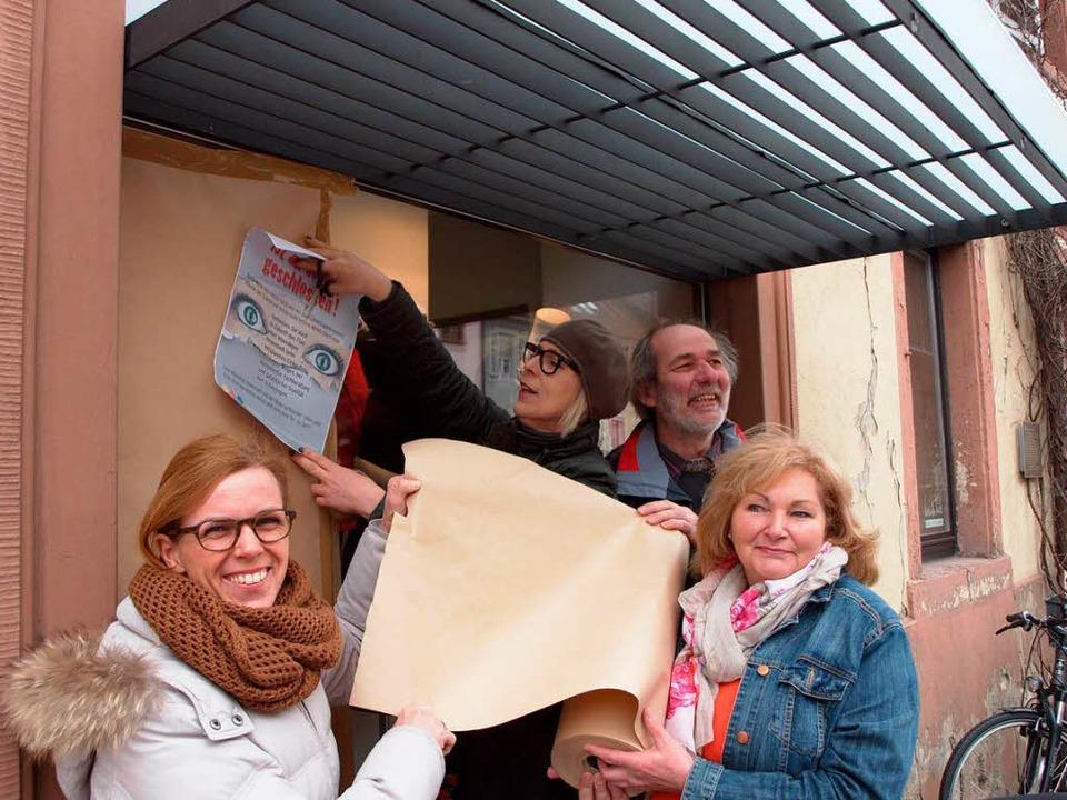 HuG-Aktion in Kenzingen: Christiane Bi...hen und Bürger zum Nachdenken anregen.  | Foto: Michael Haberer