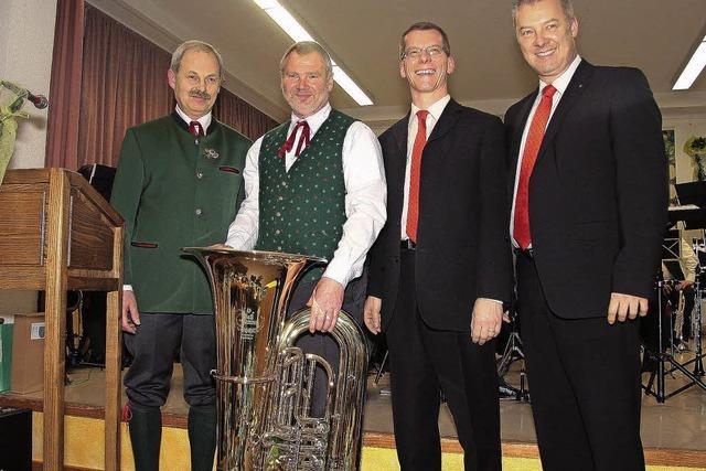 Neue Tuba zum Jubiläum