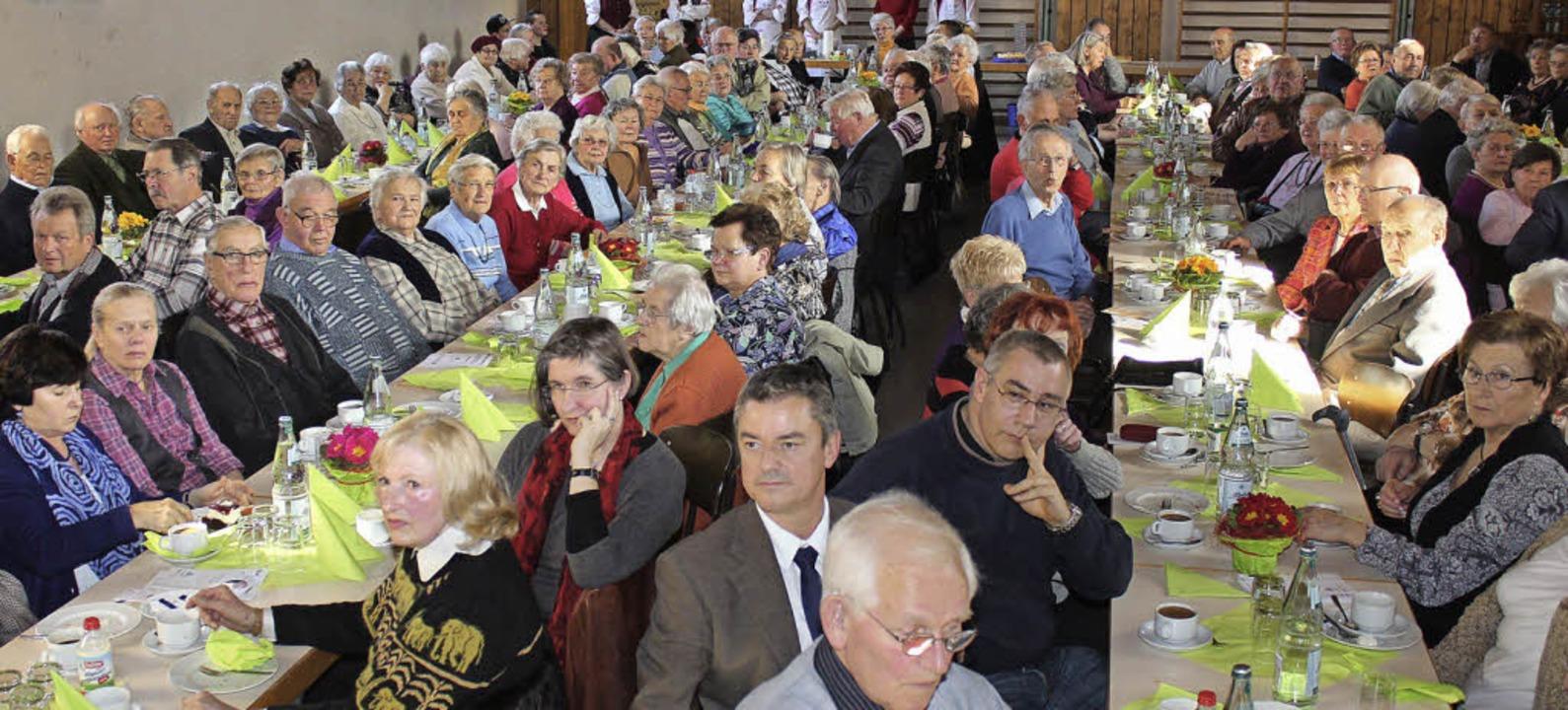 Gut besucht war der Seniorennachmittag der Gemeinde Gottenheim.     Foto: mario schöneberg