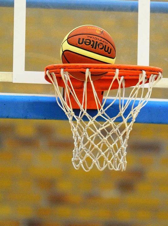Und rein damit: Wer beim Top-Four-Turn...r Basketball-Pokalsieger der Frauen.    | Foto: Archivfoto: Seeger