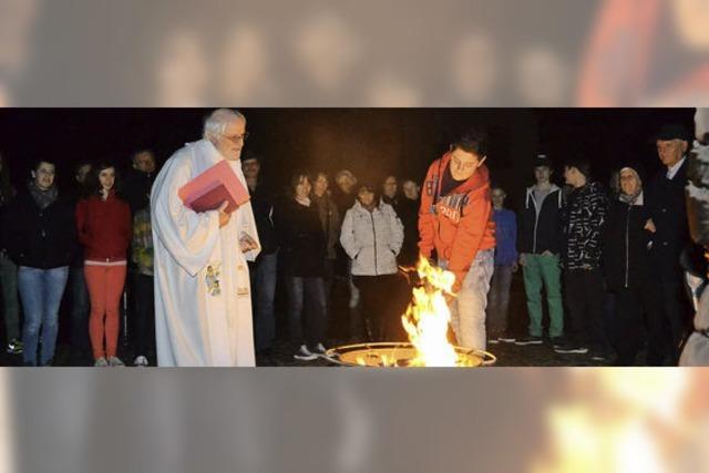 Das Osterfeuer gehört mit zum Fest