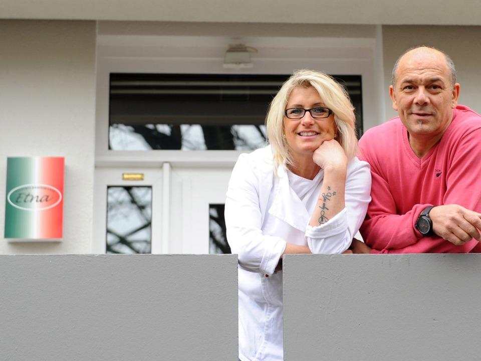 Die Chefs in der Pizzeria Etna in Frei...ringen: Gabriele und Giuseppe Galeone   | Foto: Rita Eggstein