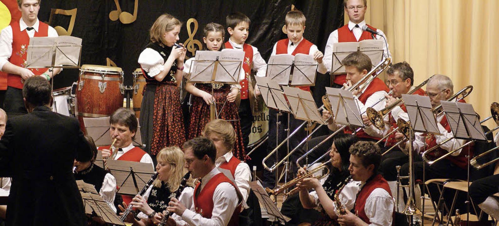 Die Trachtenkapelle Todtmoos begeister...ubiläumskonzert in der Wehratalhalle.   | Foto: Werner Probst