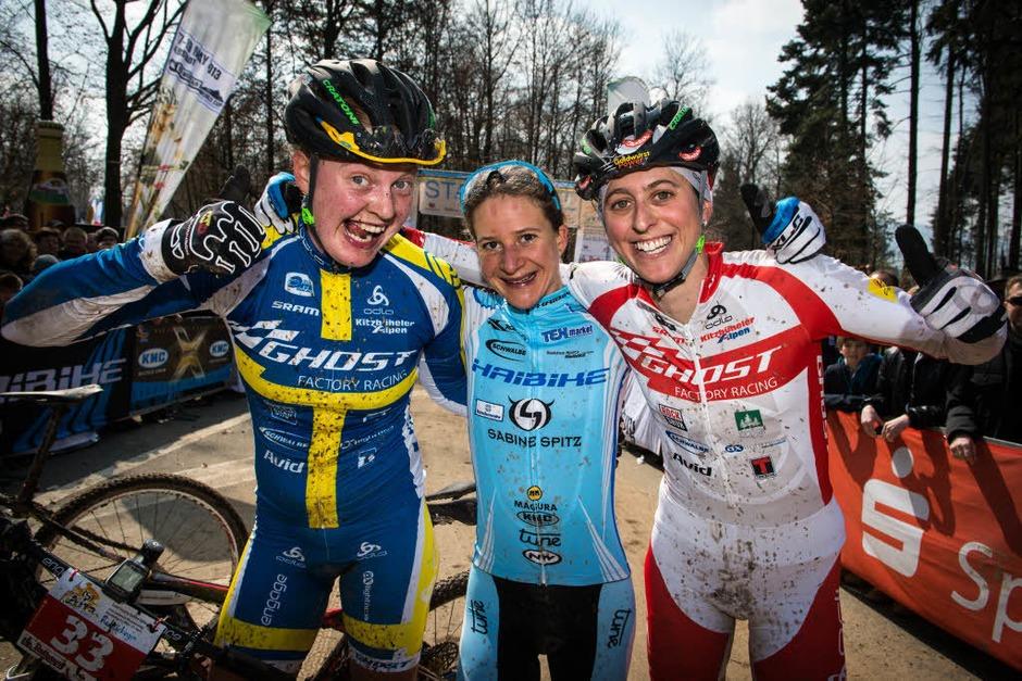 Die Top Drei der Frauen (von links): Alexandra Engen (3.), Siegerin Adelheid Morath und die Zweite Katrin Leumann. (Foto: Armin M. Küstenbrück)