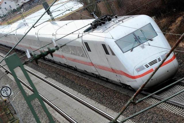ICE steckt in Tunnel fest – 450 Fahrgäste müssen umsteigen