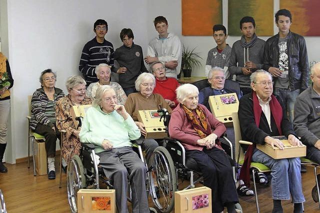 Schüler bauen für Bötzinger Senioren