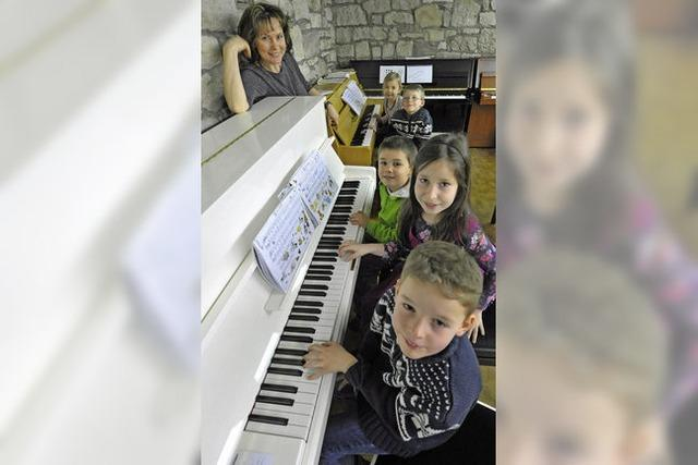 Klavierspaß mal fünf