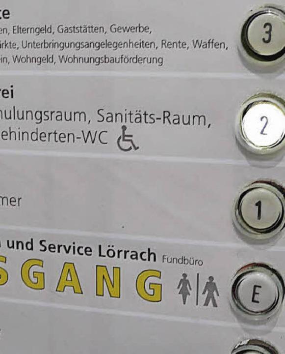 Mobilitatstrainerin Wird Das Rathaus In Puncto Barrierefreiheit