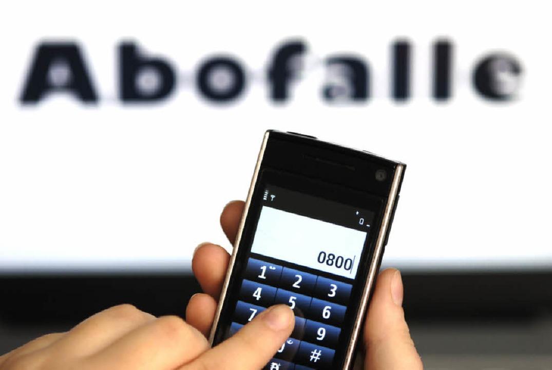 Abofallen enden meist mit einer bösen Überraschung am Telefon.    Foto: Gerhard Seybert / Fotolia.com