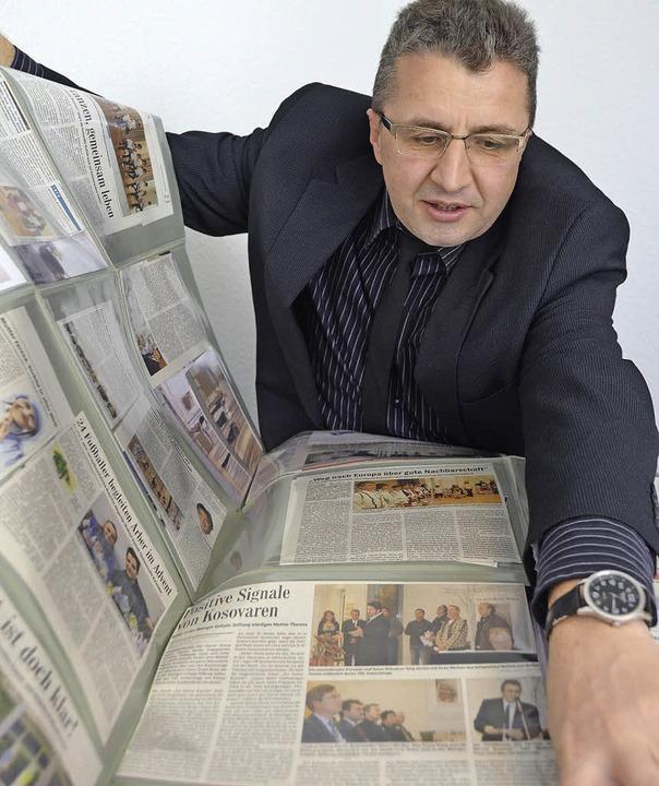 Er ist stolz auf das Erreichte: Tahir ...chos auf die Aktivitäten des Vereins.   | Foto: Gerhard Walser