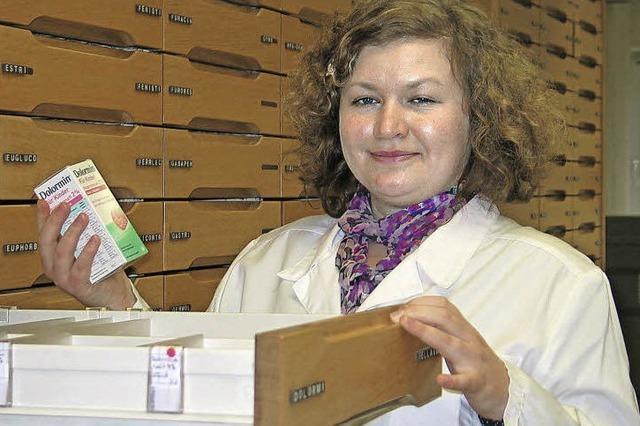 Ausbildungsberuf Pharmazeutisch-technische Assistentin: Valentina Litau hilft den Kunden