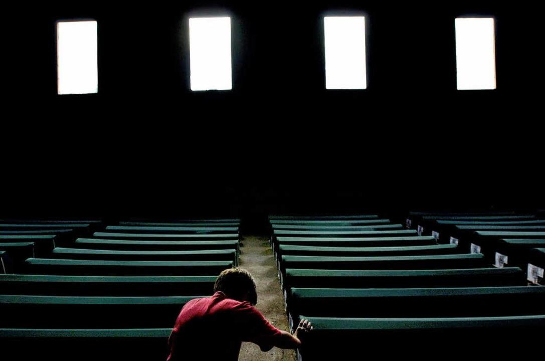 Entkommen kann man der Hölle nicht: Ge...ie Opfer des Massakers von Srebrenica   | Foto: afp
