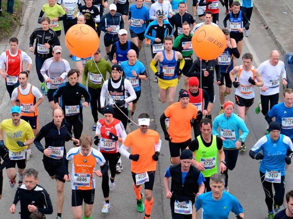 Laufen, laufen, laufen: der zehnte Freiburg-Marathon.  | Foto: Patrick Seeger